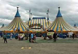 Cirque_du_Soleil's_Kurios,_Grand_Chapiteau-toronto